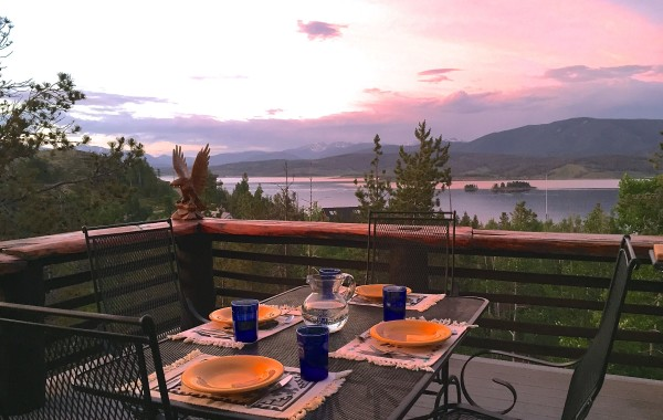 LAKE GRANBY Home with view of Rocky Mountain National Park