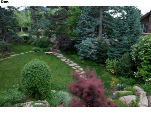Best Garden Boulder