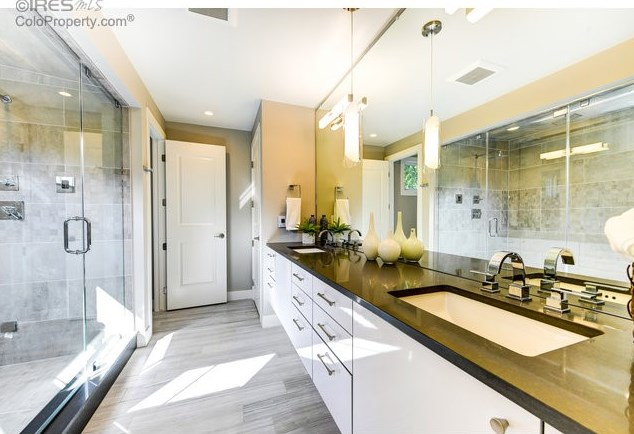 master-bathroom-boulder