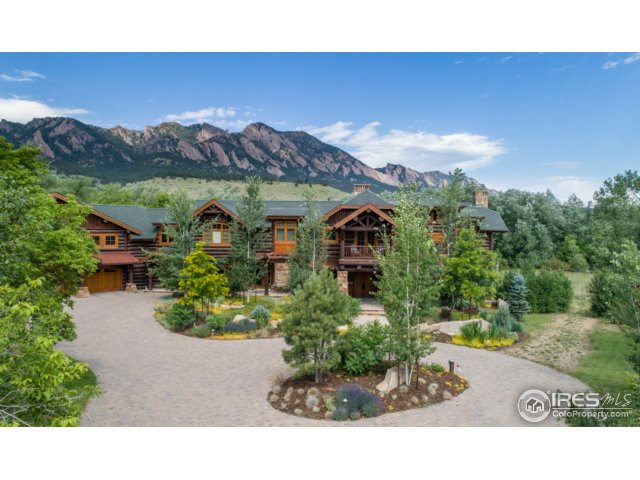 Luxury Log Estate in Boulder Colorado